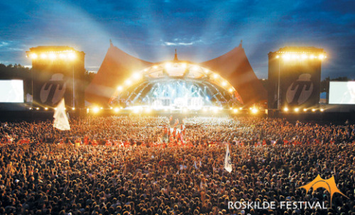 WE ARE PLAYING AT ROSKILDE!! http://roskilde-festival.dk/band/singleband/draape/