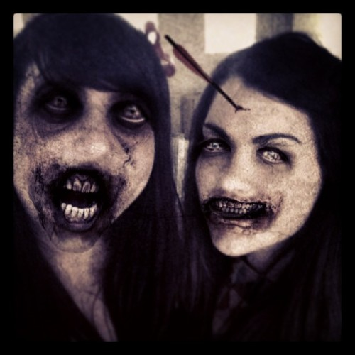 Just casually infecting @paulettebonafonte and I into zombies for fun! Get on board The Walking Dead app!! Haha #zombie #girl #friends #thewalkingdead #corpse