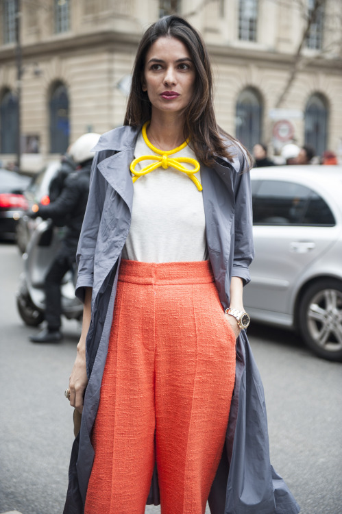 Bright orange and high-waisted, that's how you make pants stand out!
