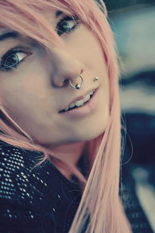 phylthevoid:  Girls, piercings, tattoos.
