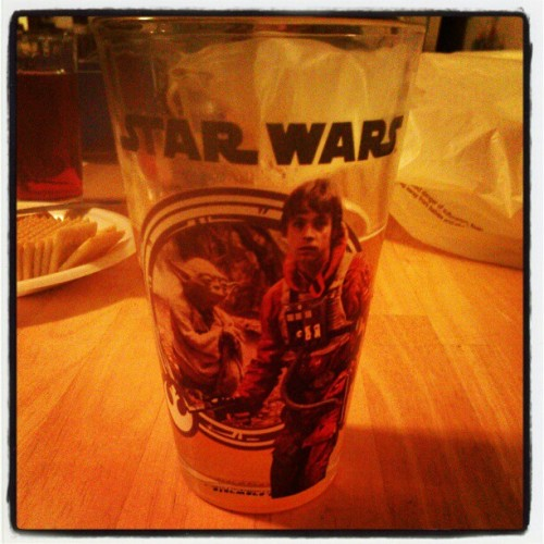 Blue moons in my new star wars pints! #bluemoon #beer #booze #instadrunk #instabooze #starwars #chewbacca #glass #cool #skywalker #yoda