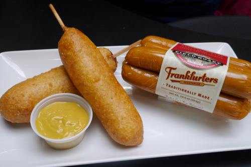 veganfoody:  Field Roast Corn Dogs