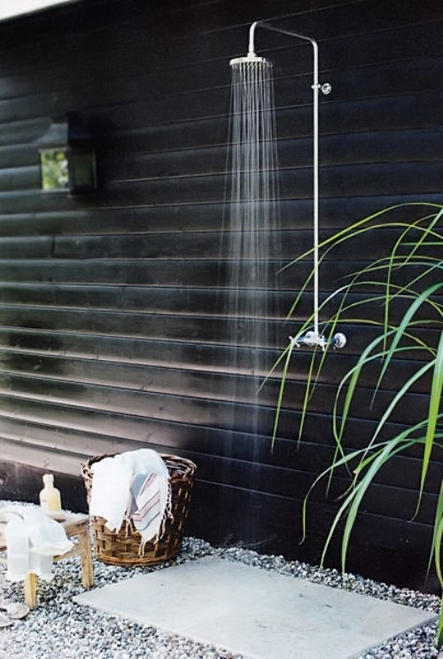 outdoor shower (via pinterest)