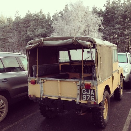 Hardcore LANDROVER with open back… In this weather!!!