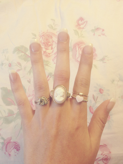 daughterofhungryghosts:  Can we all take a moment to appreciate my cute rings.
