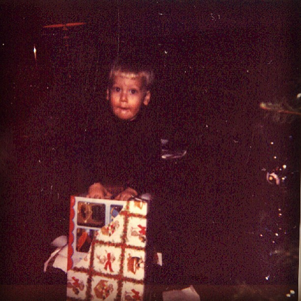 Straight gift rippin! #tbt #throwbackthursday #oldschool #cute #kid #present