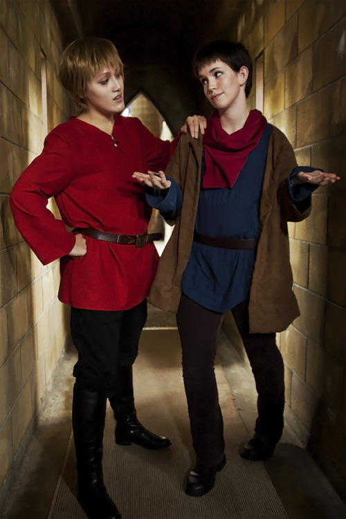 So.. I heard Bradley James is coming to Australia? Merlin/J. Photo/K I might cry if I meet him lol