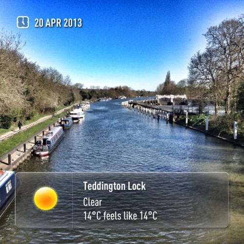 #Teddington #TeddingtonLock #instaweather #sky #outdoors #nature  #instagood #photooftheday #instamood #picoftheday #instadaily #photo #instacool #instapic #picture #pic @instaweatherpro #place #earth #world #richmond #unitedkingdom #day #spring #clear #morning #skypainters #gb (at Teddington Lock Foot Bridge)