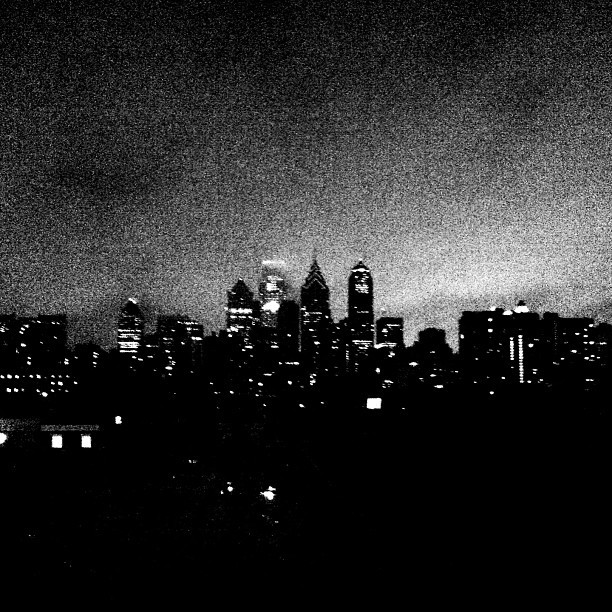 The city that never quits. #city #philadelphia #philly #blackandwhite #blackandwhiteonly #blackandwhitephotography#blackandwhiteoftheday #grayscale #monochrome #skyline  (at City of Philadelphia)