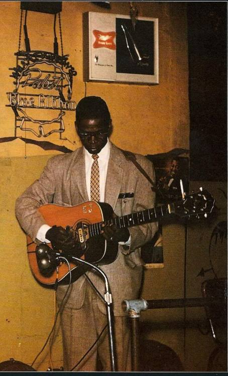 languagethatiuse:  Mr. Elmore James.