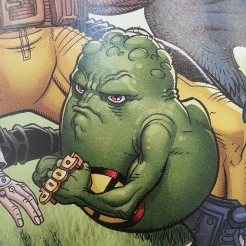If we don't find a way to make DOOP brass knuckles in 2013, I will be very cross. This is from #Wolverine and the #XMen #23 by @jasonaaron & Nick Bradshaw and, obviously, it's a comic you will want to read when it comes out on January 9.