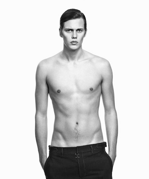 Bill Skarsgård - Why are all the Skarsgård brothers so beautiful.