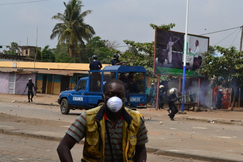 On the 10th January 2013 in Lome, the capital of the west african state of  Togo, there were protests against the government in the area of Be. They are protesting against the electoral law and the upcoming illegal elections in march 2013.The Togolese security is throwing tear gas against protesters as well as civilians. One Togolese journalist was hurt by the police.
