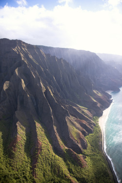 refluent:  Napali Coast. North. From Above (by JC Bonassin)