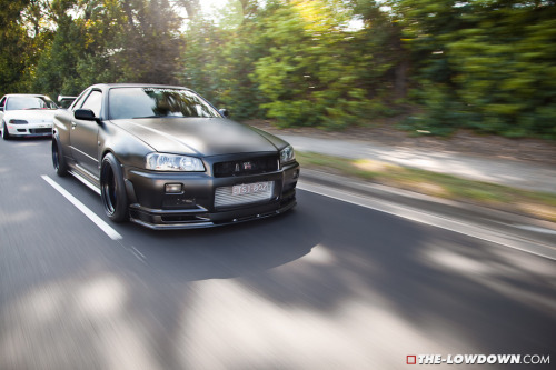 smoketrail:  tsi-r34 (by THE-LOWDOWN.COM)