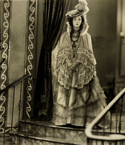 maudelynn:  Zasu Pitts in Casey at Bat c.1927