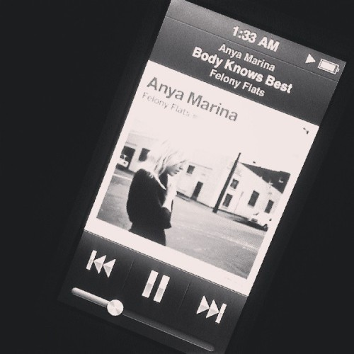 #AnyaMarina keeping me company cause I can't go to sleep. Obessed with her & her music. #indie #music #felonyflats