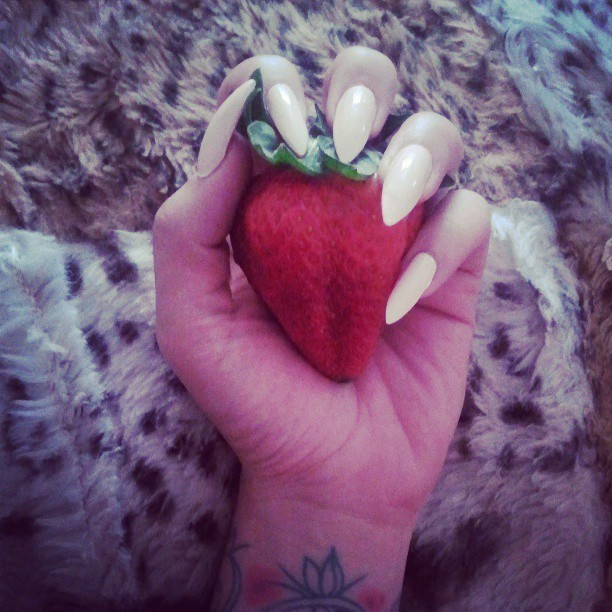 A #strawberry so big you can eat it like a hand fruit