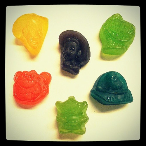 Toy Story gummies… Because apparently I'm 6. :) #toystory #toystory3 #snack #gummies #disney #pixar #nomnom #noweating #woody #jessie #rec #lotso #alien #buzzlightyear #nevertooold