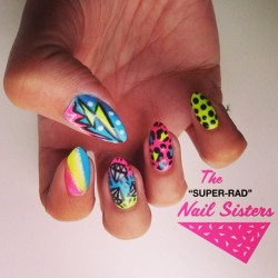 ⚡Fluro radness! 💎#nailart #nailartmelbourne #nailartinmelbourne #nailsisters #radnailsisters #superradnailsisters #gelpolish #gelnailart #neonnails (at The Super Rad Nail Sisters HQ)