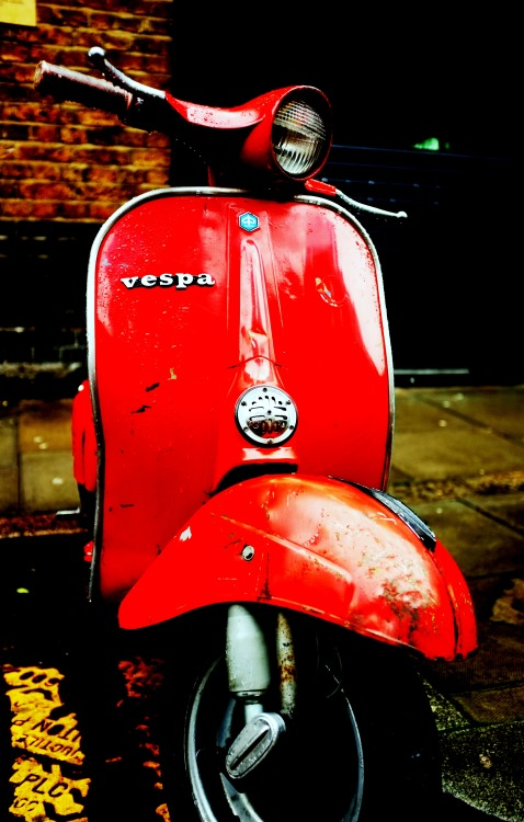 Vespa Small Frame, London Oakerz Fuji X100