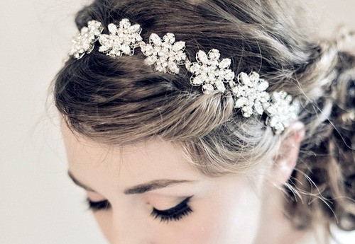 enchanting-weddings:  caption (alt+click to remove)