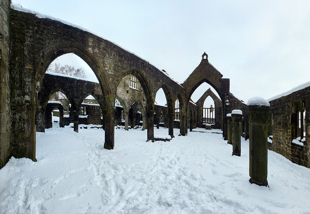 Heptonstall: old church, snow on Flickr.