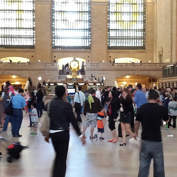People in Grand Central Station. #grandcentralstation #nyc #sgs4 #galaxys4 #galaxys4