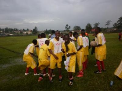 Mbarara Sports Academy 5-1 Katete FC:                                               Mbarara Sports Academy walloped Katete FC to storm finals of Musa Cup in Katete in mbarara to be played on 1st January 2013. The Academy scored all their five goals through their star striker and top scorer Siraj Musindo.                             Musindo scored 2 goals in first half and added another 3 in the second half of the second semifinals. The Academy will play Liverpool Fc Mbarara in the finals on 1st january 2013