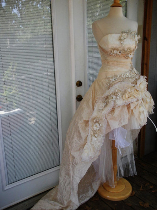 awesomeweddingdresses:  http://www.etsy.com/listing/121659053/reserved-for-alarey-handmade-wedding?category=weddings.dresses.handmade-gowns
