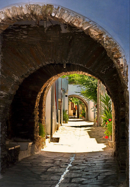 visitheworld:  Paved alley and arches in Steni, Tinos island, Greece (by Marite2007).