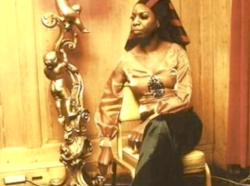 nina simone looking like an egyptian queen