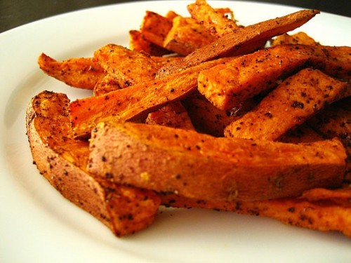 prettybalanced:  Baked Sweet Potato Fries