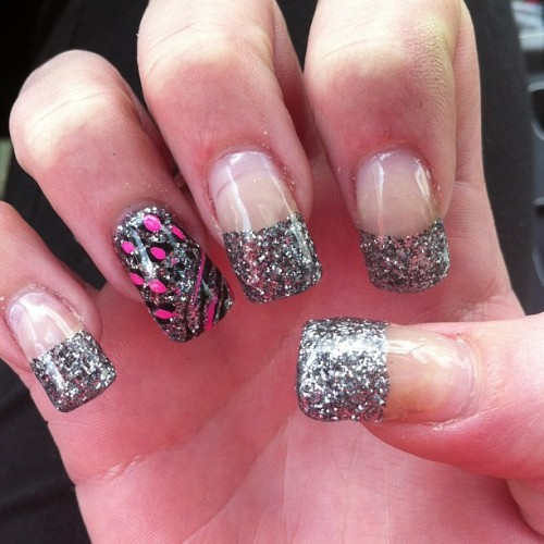 kellycoffey:  new nails ! #love #nails #glitter #sparkle #leopard #zebra