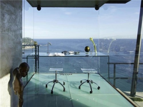 homedesigning:  (via Workspaces with Views that Wow!)  imagine just doing your homework here and all of a sudden a crazy storm forms