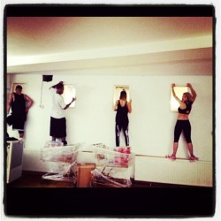 LOLOL  @RitaOra and her dancers spying on our rehearsal yesterday.   LOLOL we were peeping too.  #turnfirstartists  #tourhersal  #dancerdistractions