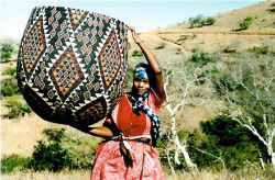 southafricasmostfashionable:  Zulu baskets are considered some of the most collectable baskets in the world