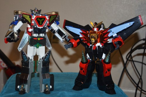 uhoh… gaogaigar is the smallest XD wow thats different.  he's still heaviest, tho, outta the robos i've got.