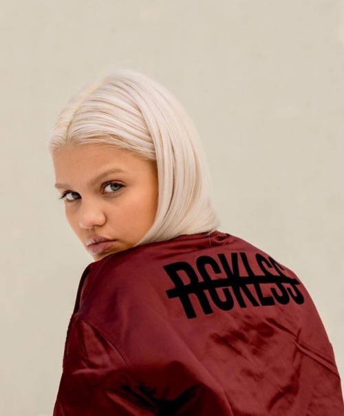 amina blue rcklss clothing