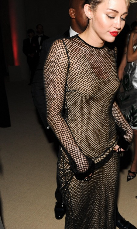 199iv:  vivalafashi0n:  she shut the MET Gala down!   I love her again.