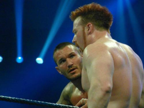 See how Randy's looking at Sheamus. Aww….adorable <3