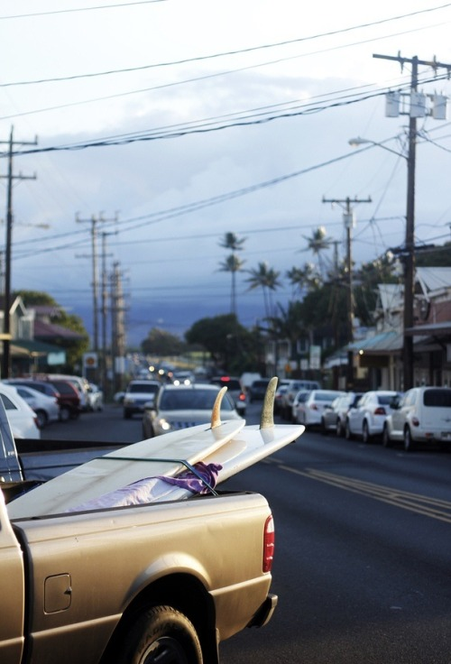 surfthrough-waves:  Paia afternoon by Matt Forssell, via 500px.
