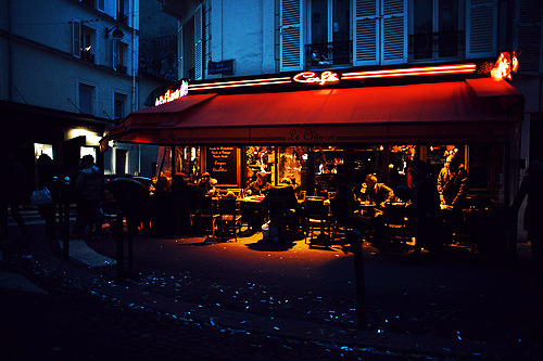 -horrocrux:  montmartre at night (by Jacqueline Harriet)