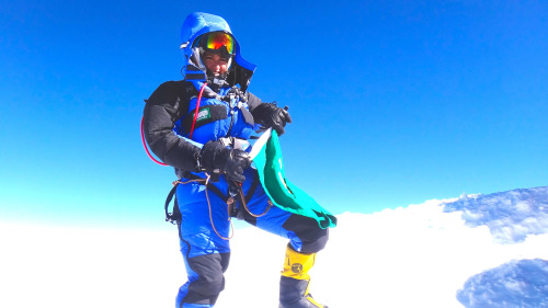 nationalpostsports:  Saudi mountaineer Raha Moharrak celebrates on the summit of Mount Everest.  Raha Moharrak reached the summit of Nepal's Mount Everest, the world's highest peak, in a first for the conservative Muslim kingdom where women's sports are severely restricted. (Photo: AFP PHOTO/ Ang Norbu SHERPA)
