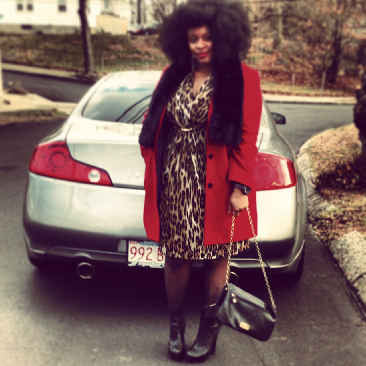 misyvette:  http://misyvette.tumblr.com Leopard and Red Classic  Giving me life!