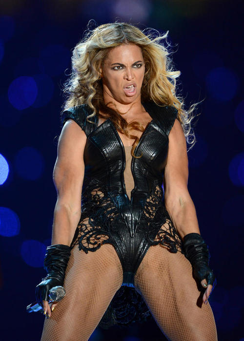 alwayshigh-neverlow:  leetakeuchi:  Beyonce's publicist wants these unflattering pictures from the Super Bowl to be removed from the Internet …So reblog as much as possible.   LOL if she wants them off maybe she shouldnt make that face…