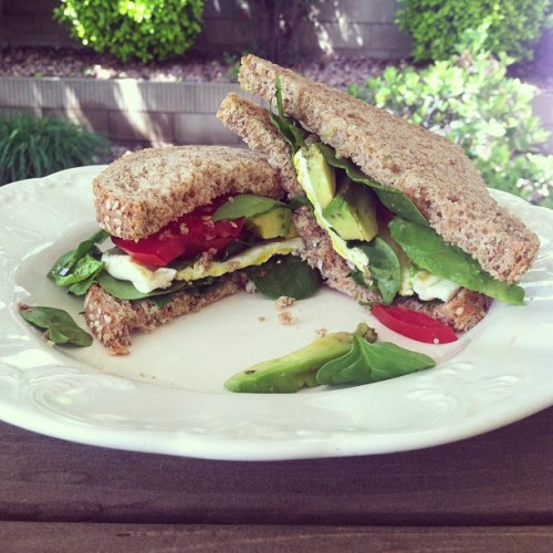 i-am-perfectly-flawed:  Sandwich on toasted sprouted grain bread with fresh spinach, tomato, avocado, and egg 😚👍#yum #vegetarian #lunch #healthy #healthyfood #sandwich #avocado #ezekielbread #nom #instafood #instalike #nutritionable #healthyfoodshare