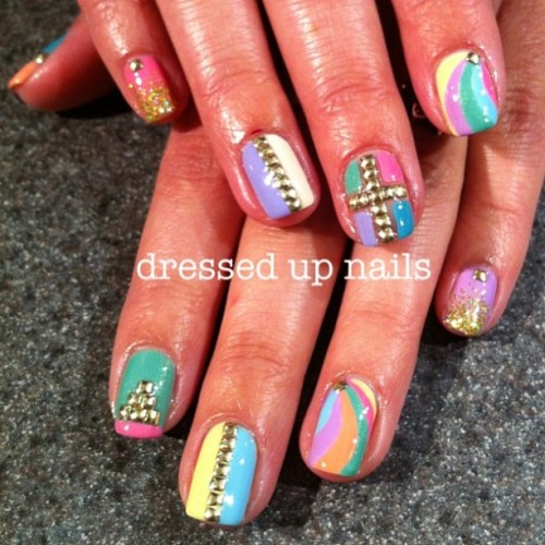 dressedupnails:  Just did these for my sister @summer_poppy and now I'm jealous and want them on my own nails