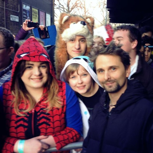 Did i ever tell you all that i met Matt Bellamy? And he said i was cool? and he signed my onesie? Then he smiled at me in the gig? He acknowledged my existence. Then he personally handed me a guitar pick after the gig. That day I lived the dream