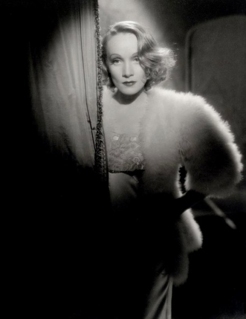 Marlene Dietrich in Angel (1937, dir. Ernst Lubitsch) (via)